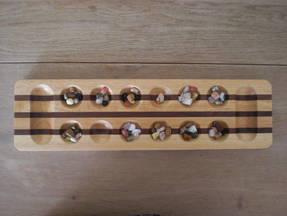 Kalaha - Spiel mit glassteinchen vorbereitet 3