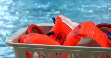 Schwimmunterricht peinliches Junggesellenabschiedsspiel