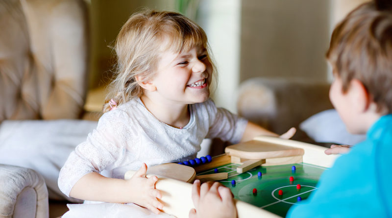 Die passende Spiele & Spielzeuge für Kinder finden